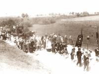 10. Laidotuvių procesija. Kaišiadorių antstolio Jurgio Žitkaus žmonos tėvo laidotuvės. Kaišiadorys. 1937 m.