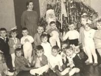 """Su Seniu Šalčiu. Kaišiadorių darželis """"Pasaka"""". 1974–1975 m."""