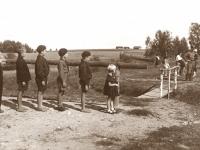 24. Jaunesnieji Kaišiadorių skautai prie Lietuvos–Lenkijos demarkacinės linijos 1934 m.