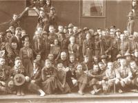 48. Vilniaus lietuvių skautų išlydėjimas Kaišiadorių geležinkelio stotyje. 1928 m. rugpjūčio 1 d. (KšM)