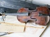 Profesoriaus Viktoro Ruokio smuiko stygas virpino restauratorių pirštai