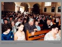 Algirdas Brazauskas su šeimos nariais bažnyčioje. Pašušvio Visų Šventųjų bažnyčia. Radviliškio dekanatas, Šiaulių vyskupija.