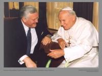 Lietuvos Respublikos Prezidentas Algirdas Brazauskas ir popiežius Jonas Paulius II.