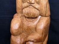 """Skulptūra. """"Rūpintojėlis"""". 2004 m. Aut. V. Mackevičius."""