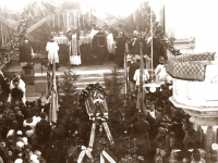 15. Bažnytinės laidojimo apeigos  Kaišiadorių katedroje. Prelato Teodoro Brazio laidotuvės. 1930 m.