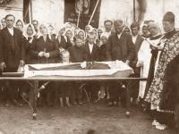4. Kruonio apylinkėms būdingas mirusiojo šarvojimas ir laidojimas be batų. XX a. 3 deš.
