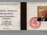 Lietuvos Respublikos Prezidento Algirdo Brazausko darbo pažymėjimas.