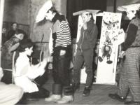 Šilonių pagrindinės mokyklos moksleivių vaidinimas Zūbiškių kultūros centre. 1989 m.