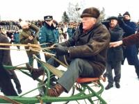 Sartų žirgų lenktynės Dusetose. 1997 m. vasario 1 d. Fotografas Vladimiras Gulevičius