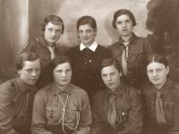 21. Trakų (Kaišiadorių) skautų tunto skautės. 1935 m.